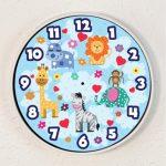 Stenska ura, ki jo prilepite na steno